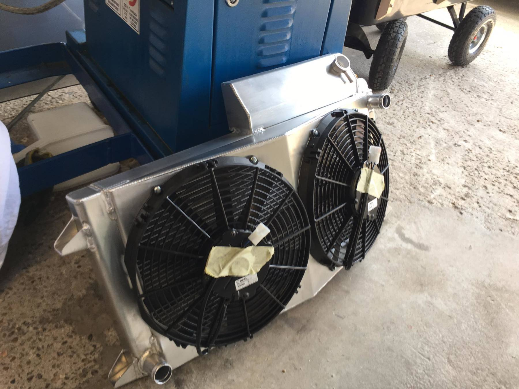 Class 7 autograss water radiator and integal header tank