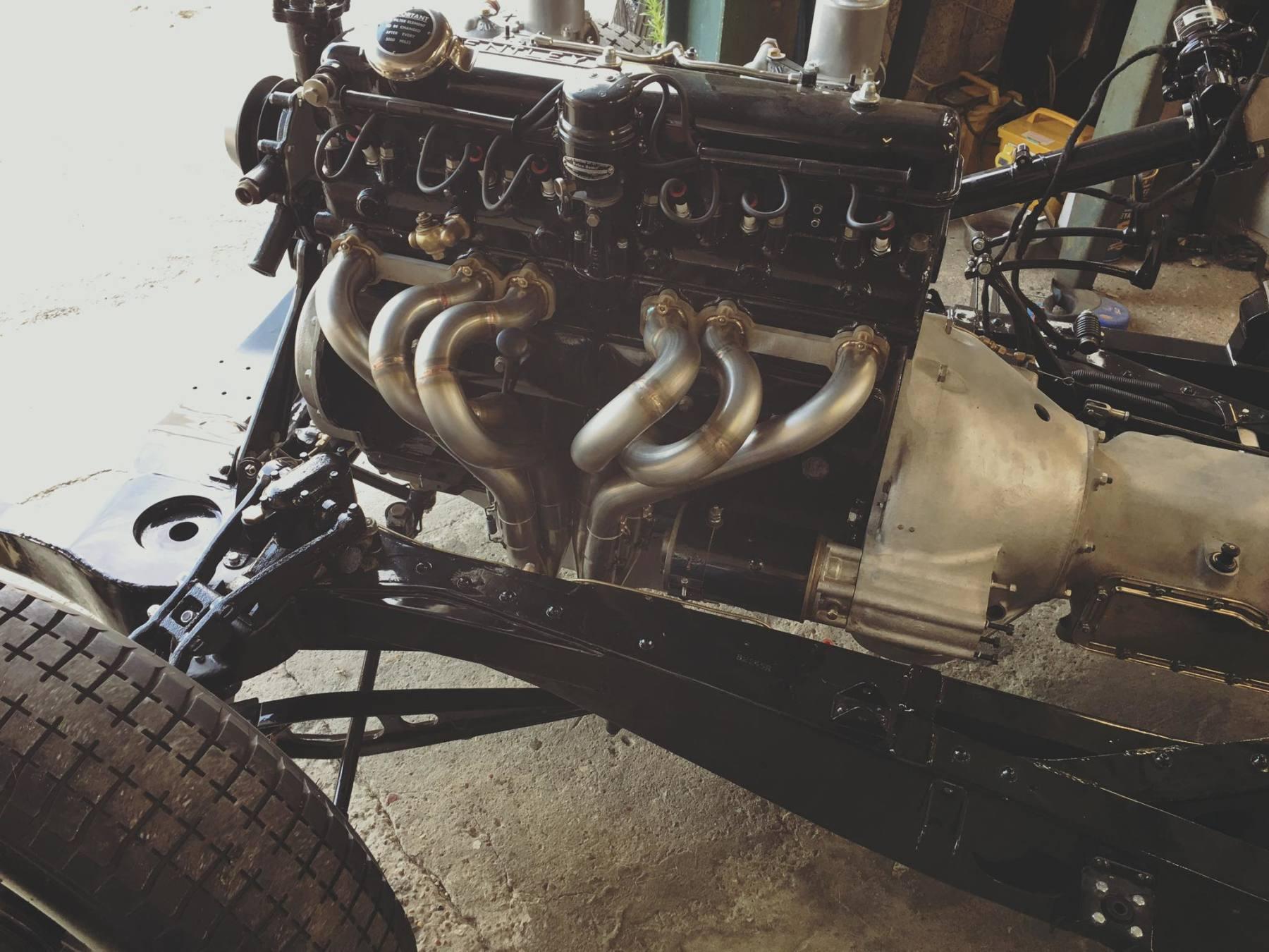 Bentley R type exhaust manifold